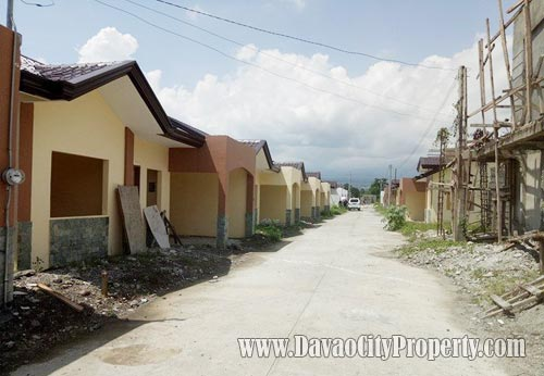 Low-Cost-Housing-in-Toril-Villa-Grande-Heights-house-and-lot-4